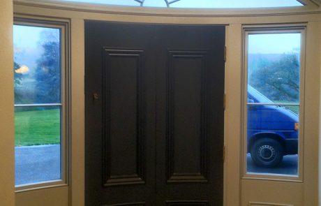 external curved door