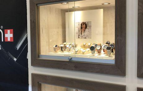 jewellery display case